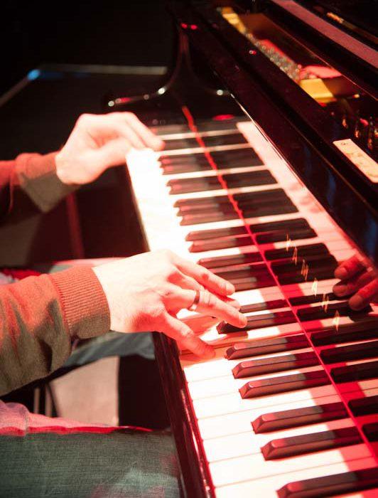 Joe am Klavier